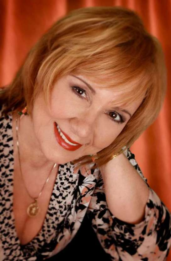 Rosanna Vitro Jazz singer